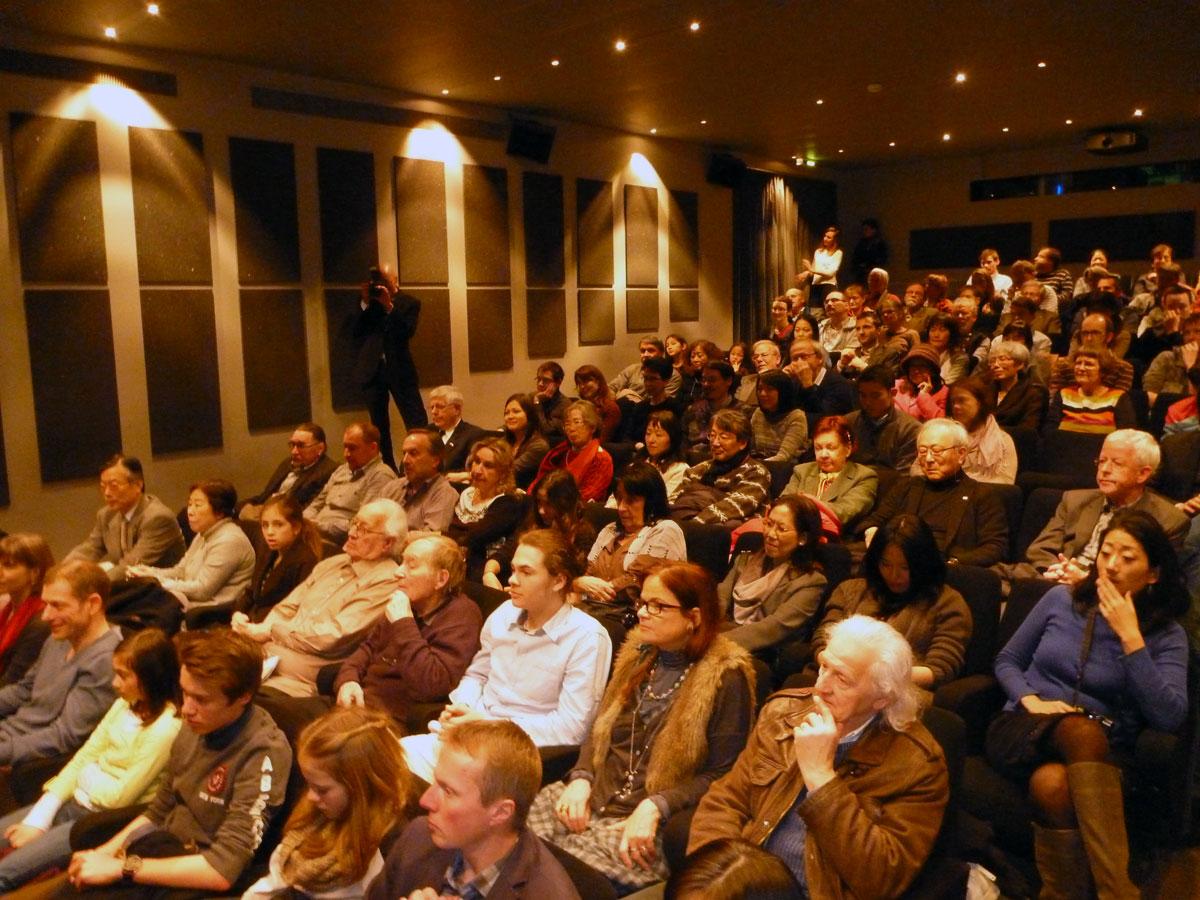 Das Berner Premieren-Publikum